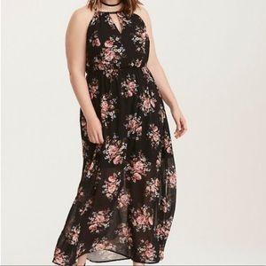 TORRID Feminine floral maxi dress keyhole size 4X